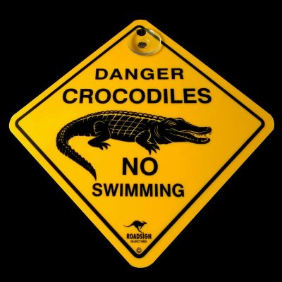 tusam-Australian Made Souvenir Roadsign Car Window Suction Swing Sign Crocodile 1_tn