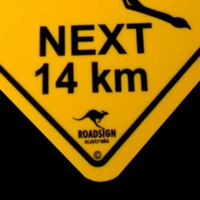 tusam-Australian Made Souvenir Roadsign Car Window Suction Swing Sign Kangaroo 2_tn