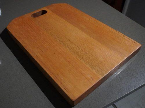 walhelfen-Cutting Board Tas Oak 2