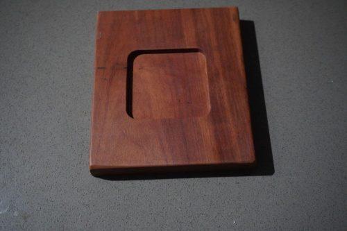 walhelfen-Square Holder 3